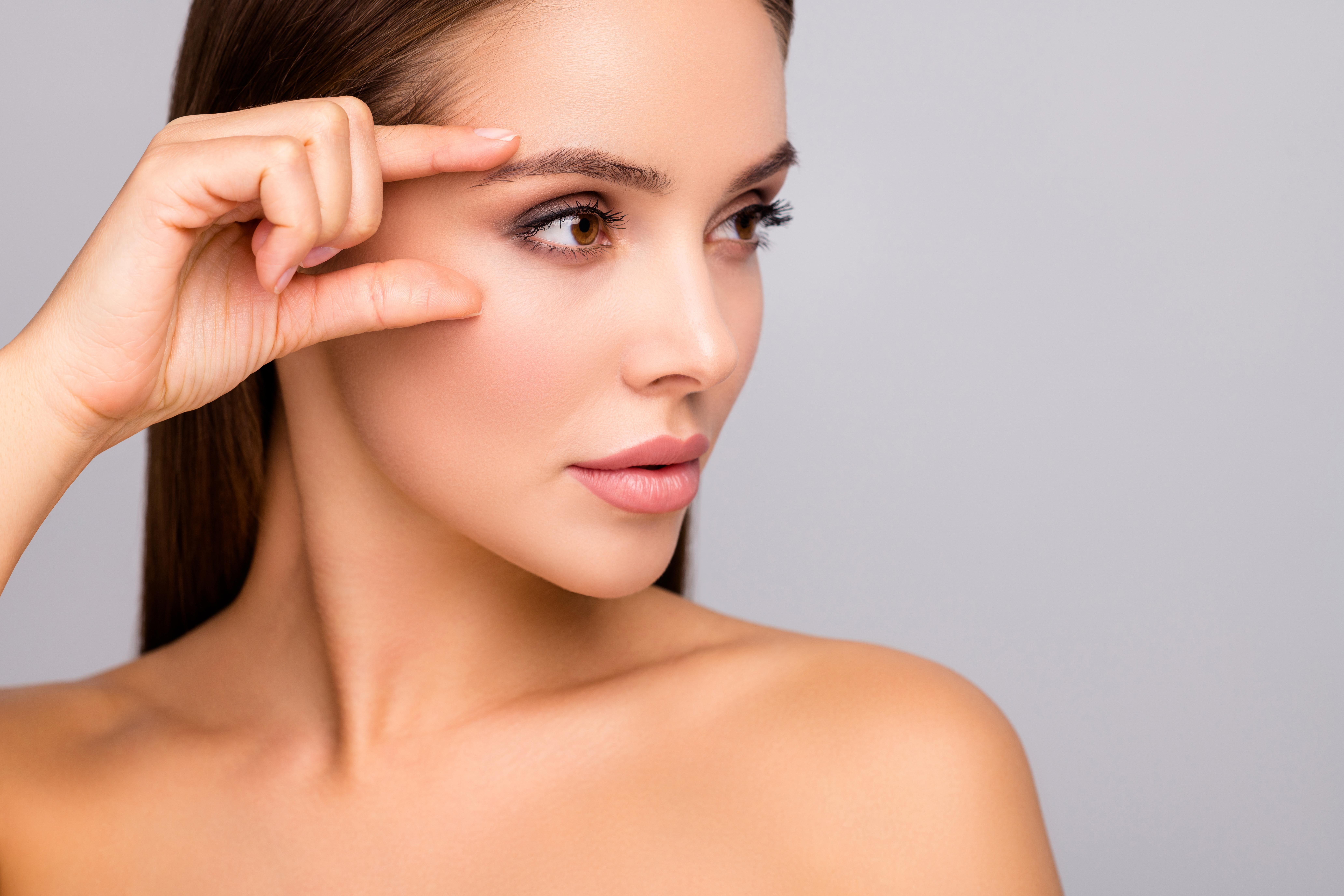 woman-with-eyebrow-lamination