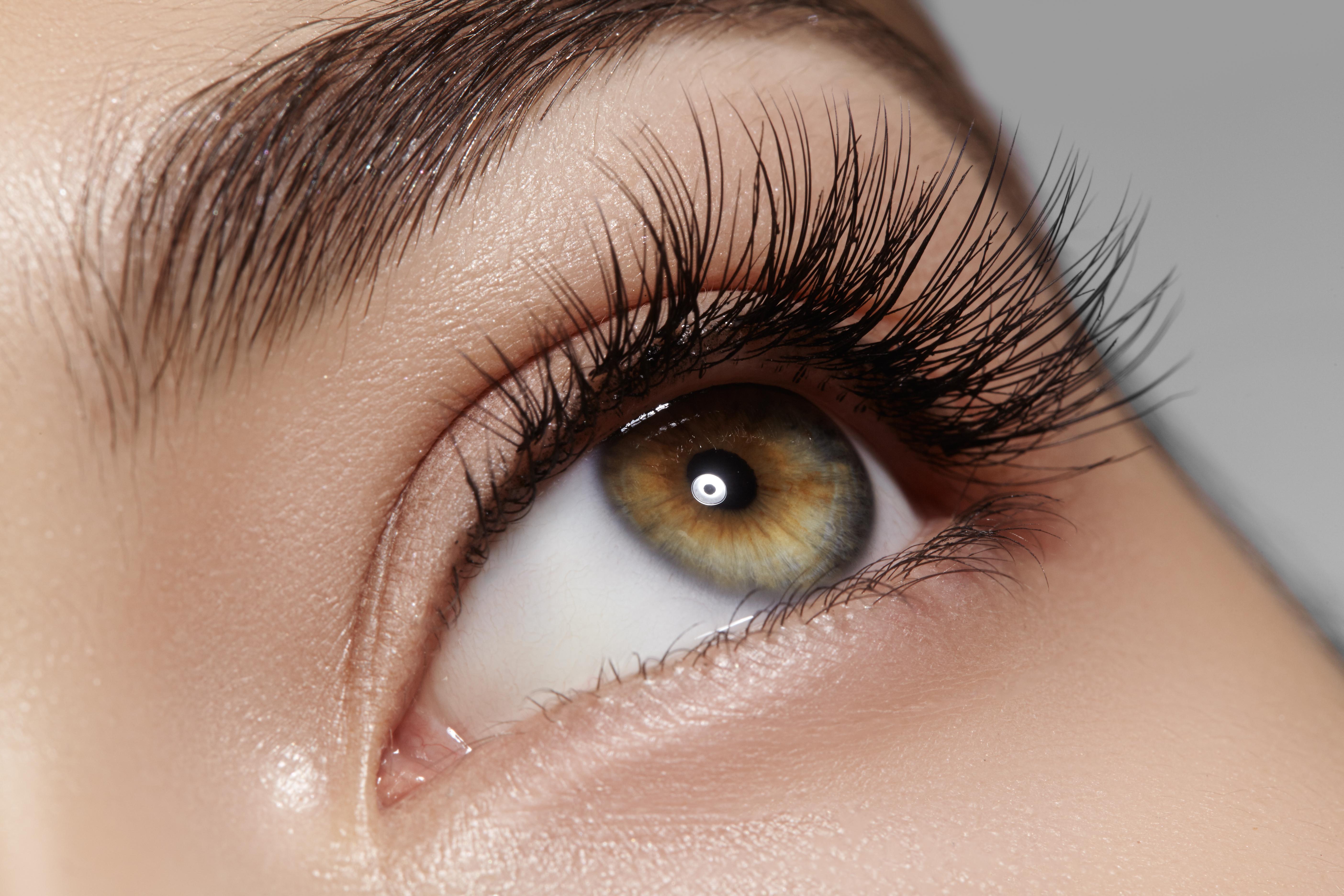 eyelash-lifting